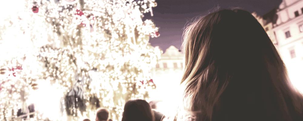 Alle kan blive ramt af julestress, som kaster en mørk slagskygge over hvad der skylle være en lysfest